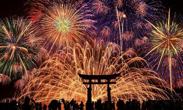 ☆ 宮島水中花火大会の受付開始 ☆