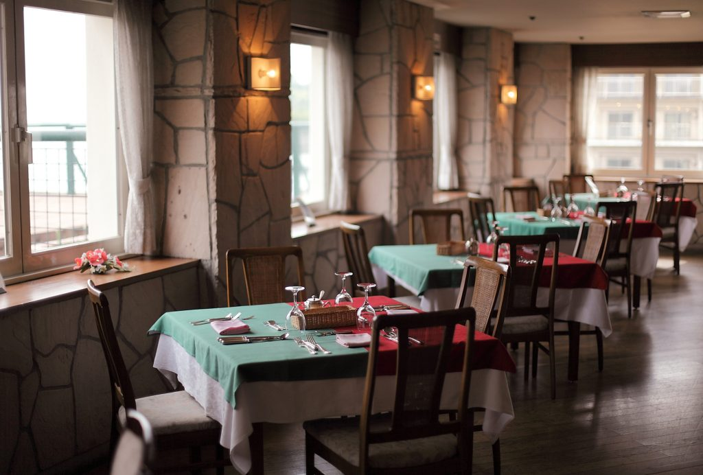 [url=https://www.akigh.co.jp/cuisine/restaurant/members/#anc1]イタリアンレストラン「サンセット」で会員限定のプランを販売いたします。