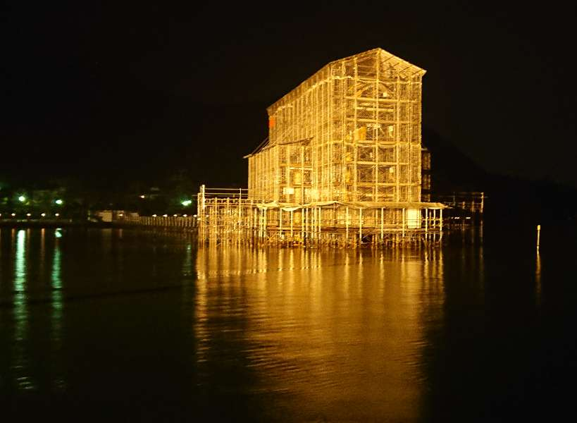 [url=https://www.akigh.co.jp/toriiprogress/]厳島神社 大鳥居の修理工事状況を更新いたしました。